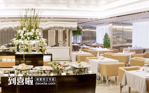 提供精美茶点,正餐及宴会,筵席服务,系广州最受欢迎的粤菜餐厅;祥云西